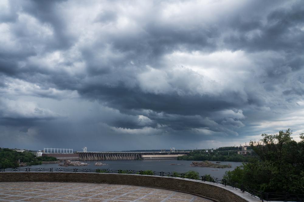 сколько атомных электростанции в Украине?